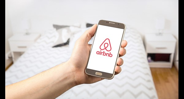Le Valais continue à surfer sur la vague Airbnb